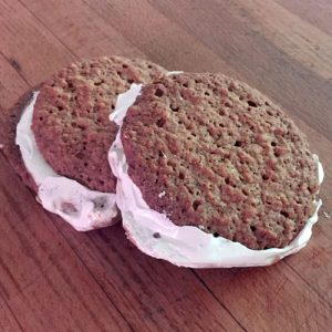 cookie-marshmallowsandwich-square